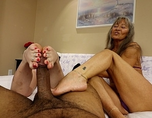 content/foot_job_with_nikki/1.jpg