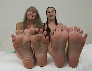 content/worship_our_feet_slave/1.jpg