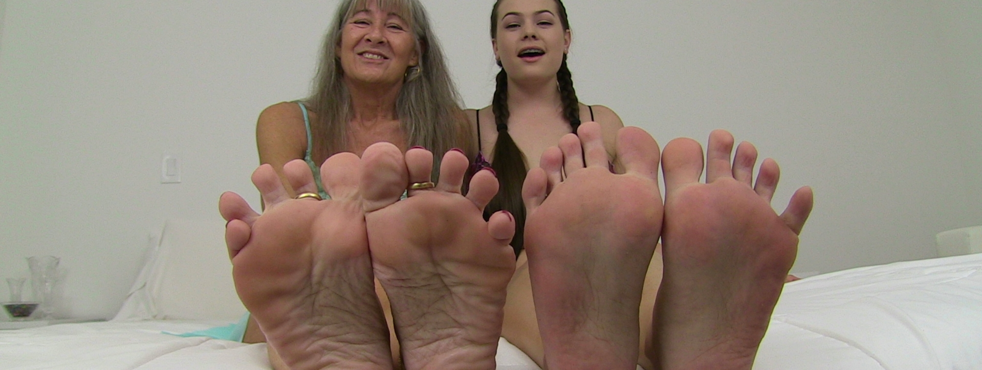 content/worship_our_feet_slave/8.jpg